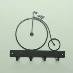 Antique Bicycle Metal Art Key Rack Free by KnobCreekMetalArts House Plants Decor, Plant Decor, Loft Furniture, Modern Furniture, Furniture Design, Antique Bicycles, Key Rack, Welding Art, Metal Projects