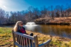 Nikki relaxing in Middleburg Virginia.  Gorgeous setting just outside of the busy metro area.  Very equestrian and vinyard oriented!