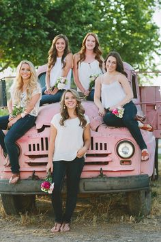Awesome idea! BFF Senior Session... Heather Armstrong Photography