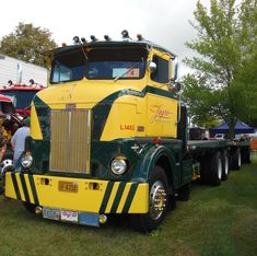 Semi Trucks, Old Trucks, Train Truck, Peterbilt Trucks, Commercial Vehicle, Old Cars, Buses, Rigs, Cars And Motorcycles