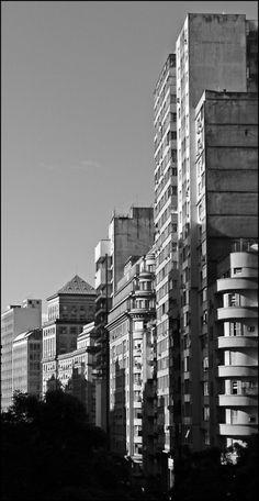 Av. Borges de Medeiros - Porto Alegre/RS  Photo by Edu Marques