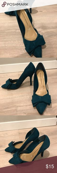 Chinese Laundry Emerald Green Suede Pumps Beautiful bow tie emerald green suede pumps. Women's size 10. Used, normal wear. Chinese Laundry Shoes Heels