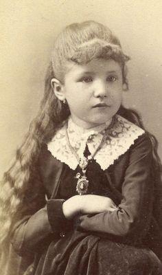 CDV Card,Vintage Photo, Beautiful Little Girl,Long Hair,Cincinnati,OH