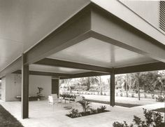 Paul Rudolph - NCMH Modernist Masters Gallery 1956 - The Sewell C. Biggs Residence, 212 Seabreeze, Delray Beach FL. B/W photos by Ezra Stoller/Esto. Sold in 1973 to Virginia Courtenay, who still owned it as of 2012.