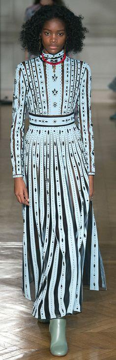 Die 71 besten Bilder von Fashion Kleider Zeichnen lernen ...