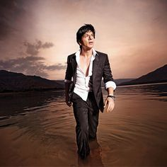 Aquarius is the humanitarian of the zodiac, writes Shah Rukh Khan | Latest News & Updates at Daily News & Analysis