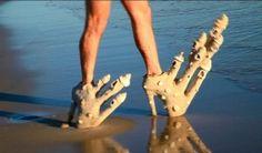 Weird & Bizarre Fashion: Platforms heels for the beach.