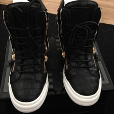 Guiseppe Zanotti low top sneaker Price is firm. Authentic guiseppe zanotti croc emboss low top sneaker. Black with gold hardware. Leather. Worn once. In excellent condition. Original box. guiseppe zanotti Shoes Sneakers
