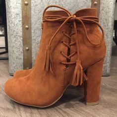 N E W ⓑⓞⓞⓣⓘⓔⓢ - $49 #booties #shoeobsessed #sotd #newarrival #fallfashion #backtoschool  #apricotlanedesmoines #shoplcoal #shopalb #aldm #valleywestmall #apricotlane #apricotlaneboutique #fashion #fall #ootd #westdesmoines