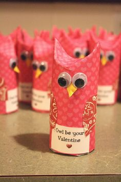 Owl be your Valentine - Here is a perfect way to put together an owl themed Valentine full of delicious snacks! All you need is scrapbook paper, toilet paper rolls, fruit snacks (or any other treats/candy), googly eyes and printed Valentine's message. Valentine Day Crafts, Be My Valentine, Holiday Crafts, Holiday Fun, Valentine Ideas, Valentines Recipes, Homemade Valentines, Funny Valentine, Owl Crafts