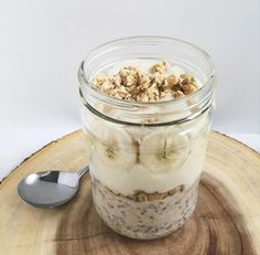 banana cream parfait {overnight oats layered with granola, yogurt & banana coins}