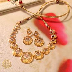 Jewelry Design Earrings, Gold Earrings Designs, Gold Bangles Design, Gold Jewellery Design, Manubhai Jewellers, Necklace Set, Gold Necklace, Gold Mangalsutra Designs, Indian Jewelry Sets
