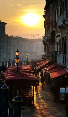 Sunset over Riva del Vin, Venice, Italy | Flickr - Photo by ljology