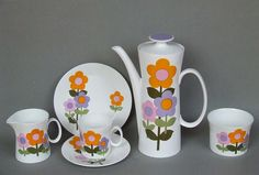Dolly Days Coffee Set on Hostess Tableware by John Russell 1966