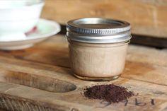 CREMĂ cu CAFEA excepțională pentru TEN și CORP Coconut Oil Coffee, Infused Oils, Skin Food, Little Miss, Mason Jars, Health Fitness, Skin Products, Beauty Products, Diy
