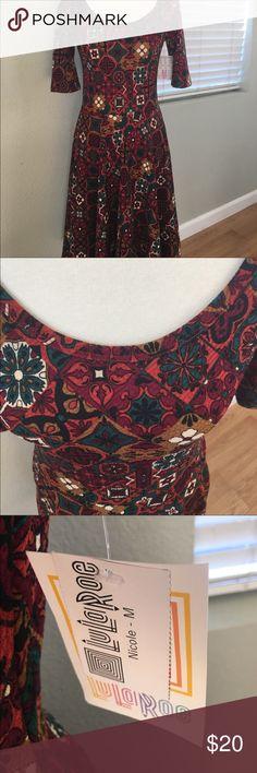 LuLaRoe Nicole Medium New with tags LuLaRoe Nicole medium LuLaRoe Dresses