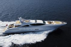 Salvaje Yacht Charter