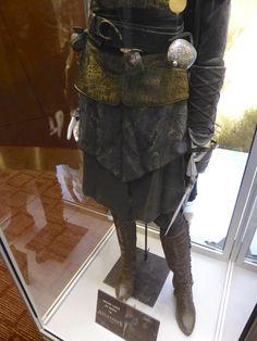 Assassins+Creed+Maria+costume+legs.jpg (600×800)