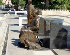 Posted by Deirdre Oakley, OLD SAN JUAN, PUERTO RICO -- Walking around Old San Juan a colleague and I stumbled upon a row of imposing bronze statues of ...