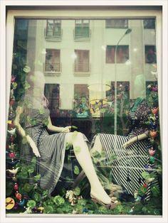 #lafemmemimi #fashion #designer #womensfashion #prague #window #mannequin #striped #blackandwhite #dress