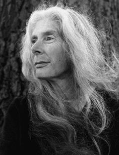 long white hair and lovely Long White Hair, Grey Hair, Long Hair, Wise Women, Old Women, A Well Traveled Woman, Woman Back, Portraits, We Are The World