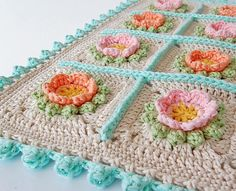 Transcendent Crochet a Solid Granny Square Ideas. Inconceivable Crochet a Solid Granny Square Ideas. Crochet Cushion Pattern, Crochet Motifs, Crochet Cushions, Crochet Quilt, Crochet Blocks, Crochet Pillow, Crochet Squares, Crochet Blanket Patterns, Crochet Borders