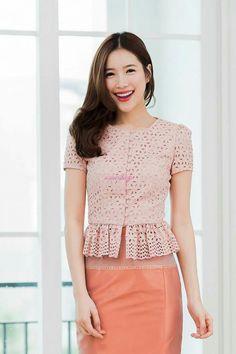 Traditional Dresses Designs, Traditional Outfits, Batik Dress, Silk Dress, Thai Wedding Dress, Myanmar Dress Design, Myanmar Traditional Dress, Fancy Tops, Thai Dress