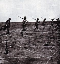 Barbed wire entanglement in front of the Boer trench at the Battle of Magersfontein on December 1899 which added to the difficulties of the Highland Brigade in their attempted attack Crimean War, British Army, British History, Our World, South Africa, Battle, The Past, Military, Pictures