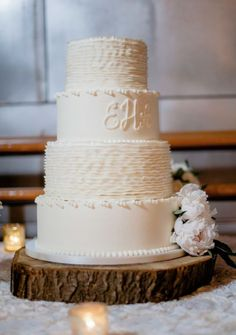 Wedding cake idea; Featured Photographer: Brandon Lata Photography