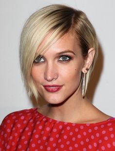 Google Image Result for http://www.glamour.com/beauty/blogs/girls-in-the-beauty-department/0625-Ashlee-Simpson-brown-eyeshadow_bd.jpg