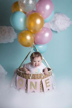 The girl& first birthday photo. The girl& first birthday photo. First Birthday Photos Girl, 1st Birthday Photoshoot, 1st Birthday Party For Girls, 1st Birthday Pictures, First Birthday Decorations, Baby's First Birthday, 1 Year Birthday Party Ideas, First Birthday Balloons, Baby Birthday