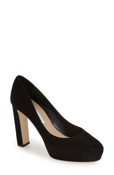 DVF black pump
