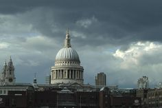 London: St. Paul's Cathedral. Image courtesy of Mitch Berman.