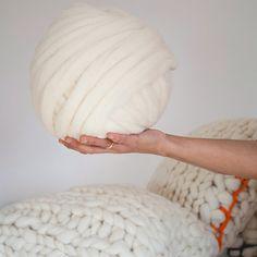 Merino Wool ball from www.knittingnoodles.es