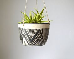 T R I A N G L E Jardinera colgante cerámica tribal