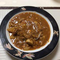 No.121 最近毎日食べてる鶏きのこ豆根菜トマトスープからのカレー。 #スープを食べる分だけとって毎回カレーに仕立ててます #隠し味は梅たたき