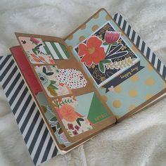 Ahora si! Con sus toquecitos finales! #paperdori style siguiendo el tuto de @mvilar13 . Preparando un regalito muuuuy especial 😍  #midori #fauxdori #fauxmidori #midorihandmade #travelnotebook #travellersnotebook #scrap #scrapbooking #scrapbook #scrapbookingmadesimple #artsandcrafts #papercrafts #papercrafting #planner #bujo #bulletjournal