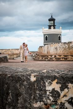 Intimate Destination Wedding at Old San Juan El Morro (23)