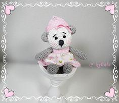 Die kleine Prinzessin wurde aus BIO Baumwolle gehäkelt und mit Schurwolle befüllt. Unique creation von Kybele. Recycling, Teddy Bears, Bunt, Etsy, Kids, Animals, Cotton Crochet, Little Princess, Packaging