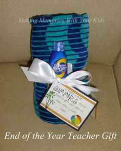 End of the year teacher gift idea with free printable