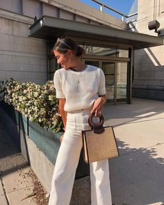 20 City Outfit Ideas for Summer - Street Style Outfits Mode Outfits, Casual Outfits, Fashion Outfits, Womens Fashion, Fashion Trends, Fashion Ideas, Woman Outfits, Casual Work Attire, Black Outfits