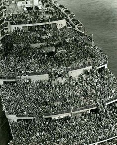 GIs coming home from WWII