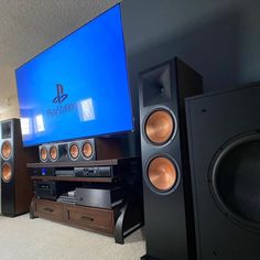 Best Home Theater System, Home Theater Setup, Home Theater Design, Theatre, Best Hifi, Small Home Theaters, Build Your Own House, Hifi Stereo, Dolby Atmos