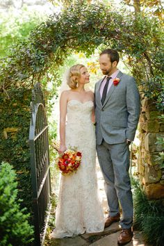 Birmingham Wedding by Spindle Photography HotHouse Design Studio: Floral April Wedding, Wedding News, Wedding Photos, Summer Wedding, Gray Weddings, Southern Weddings, Country Weddings, Vintage Weddings, Southern Wedding Inspiration