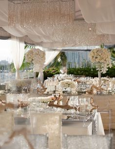 Awe-Inspiring Wedding Receptions with WOW Factors - MODwedding