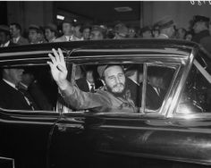 Fidel Castro waves to crowds in New York City, 1959 - Fidel Castro: Cuba's leader visits New York - NY Daily News