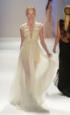 Mercedes-Benz Fashion Week : TADASHI SHOJI spring 2013