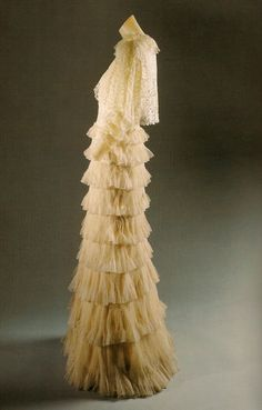 Evening ensemble, House of Chanel (French, founded silk, French - 1936 Coco Chanel, Chanel Brand, Guy Laroche, Historical Costume, Historical Clothing, 1930s Fashion, Vintage Fashion, Romantic Period, French Fashion Designers