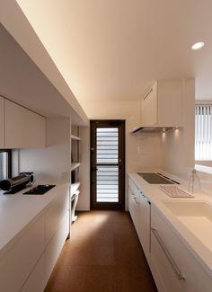 Japanese Kitchen, Japanese House, Kitchen Interior, Interior Design Living Room, Muji Home, Kitchen Dining, Kitchen Cabinets, Natural Interior, Home Kitchens