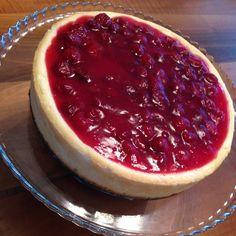 Vişneli cheesecake 🍰 nım nım nım 😋😋bir dilim isteyen? ☺️🙈🙋🏼👌🏼🍰💗 #vişne #cheesecake #bidoluguzellik #antalya